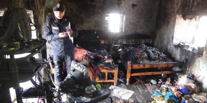 SANTA ROSA: municipalidad de santa rosa brinda ayuda humanitaria a damnificados por incendio. producto de energía eléctrica.