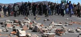 Antauta: Pobladores acatan paro exigiendo firma de convenio con MINSUR