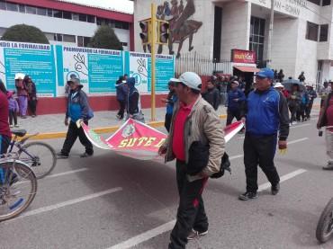 Anuncian huelga indefinida de trabajadores estatales