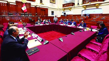 Elevan a 40% la valla electoral para elegir a gobernadores