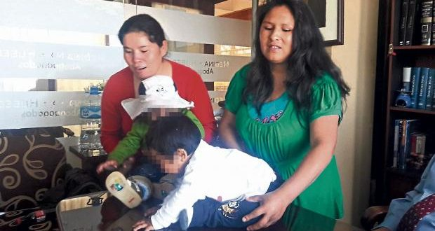 Poder Judicial admite millonaria demanda por cambio de bebés en Arequipa