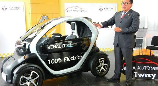 Presentan el primer auto eléctrico en la región Puno