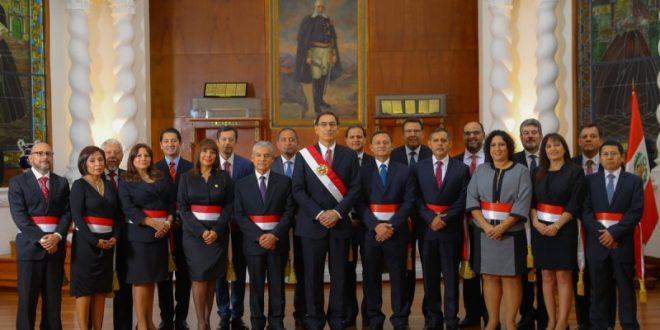 MARTÍN VIZCARRA JURAMENTÓ AL NUEVO GABINETE DE MINISTROS
