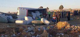 VÍA HUANCANÉ-JULIACA: POBLADORES SAQUEAN CAMIÓN TRAS ACCIDENTE