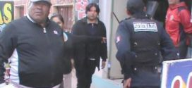 Ciudadano provocó destrozos tras encontrar a su hijo en cabina de internet
