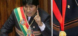 BOLIVIA: ROBAN BANDA PRESIDENCIAL Y MEDALLA A PRESIDENTE EVO MORALES