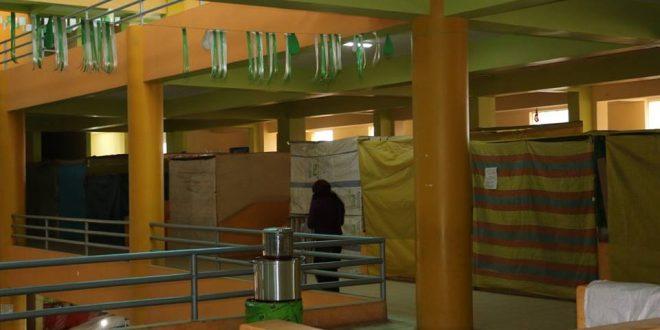 AYAVIRI  DESOCUPARÁN A COMERCIANTES QUE NO UTILICEN STAND DE VENTA EN EL MERCADO CENTRAL